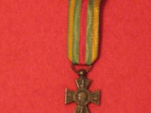 MINIATURE FRANCE FRENCH VOLUNTEER COMBATANTS CROSS MEDAL