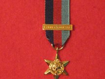 MINIATURE 1939 1945 STAR MEDAL WITH BOMBER COMMAND CLASP MEDAL