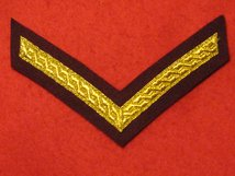 MESS DRESS 1 BAR LANCE CORPORAL CHEVRON GOLD ON MAROON BADGE